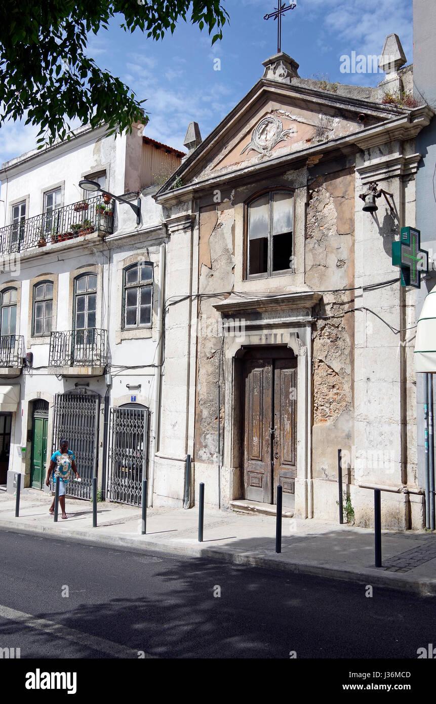 Lisbon, Portugal, very small church in Rua de Campolide, abandoned, almost forgotten, & gradually falling apart, - Stock Image