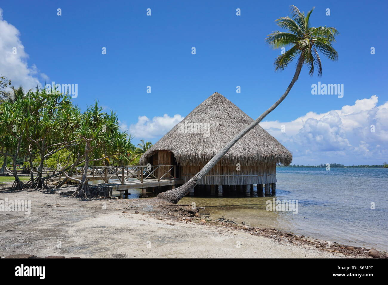 Typical construction Polynesian traditional housing Fare Potee on the shore of the lake Fauna Nui, Maeva, Huahine - Stock Image