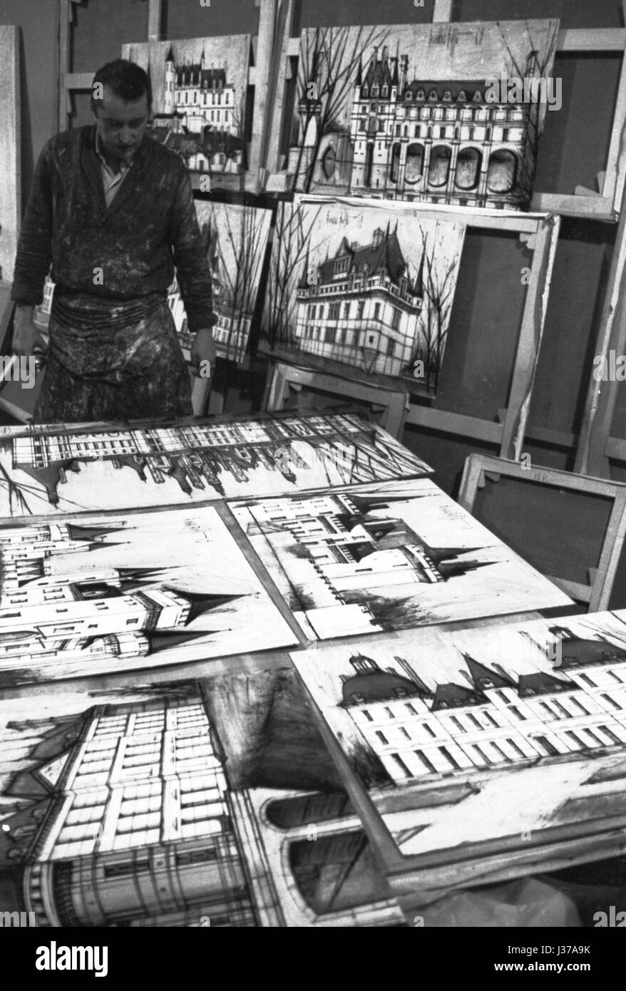 Bernard Buffet analysing his paintings  Bernard Buffet (1928-1999).  These photographic works are protected by legislation Stock Photo