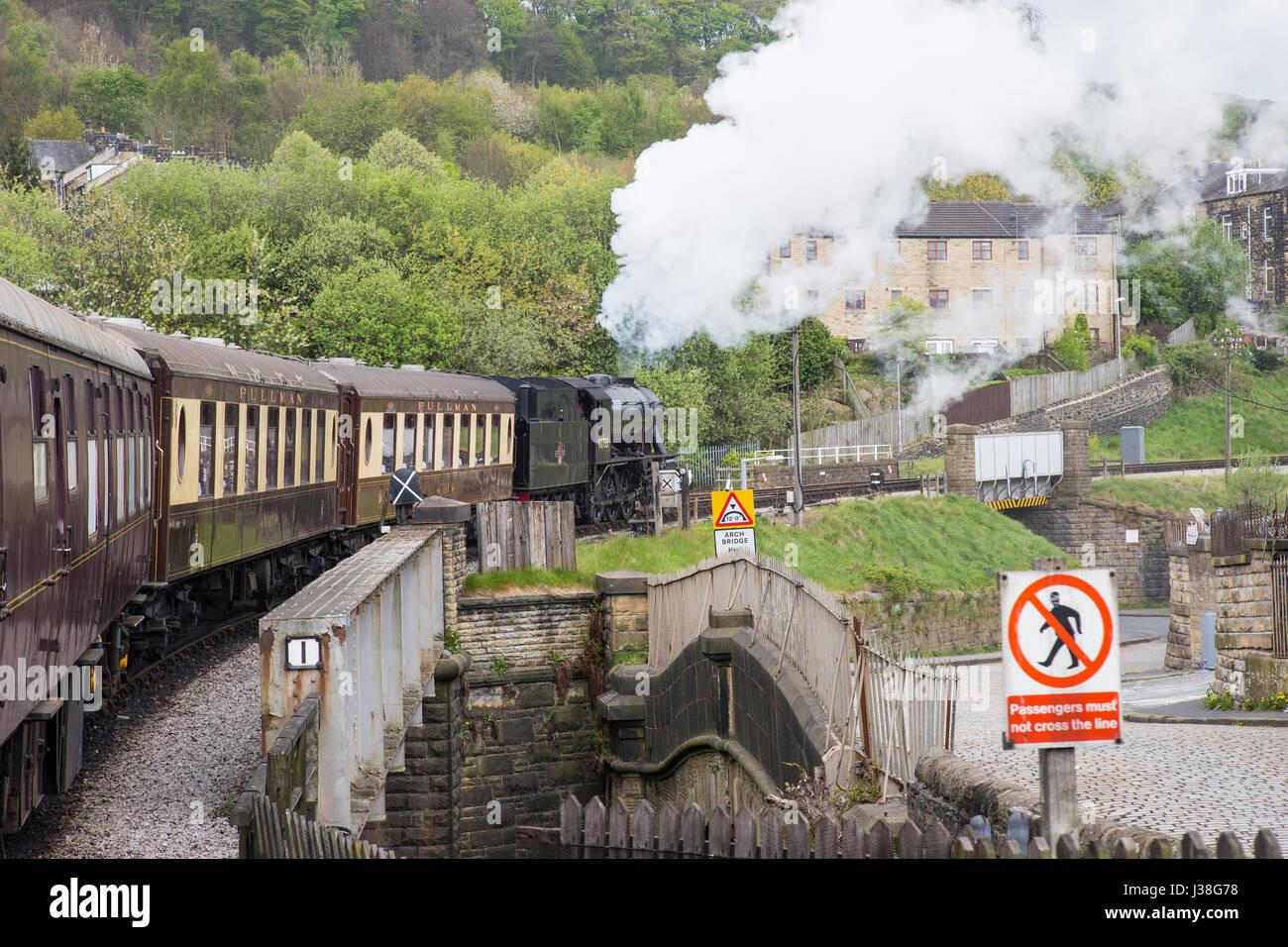 War Department Austerity 2-8-0 90733 steam locomotive - Stock Image