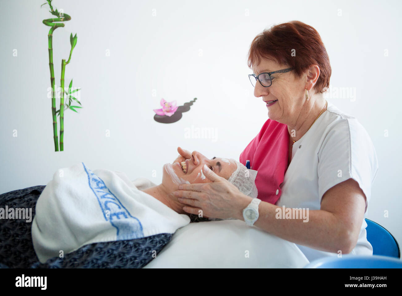 HOSPITAL BEAUTICIAN - Stock Image