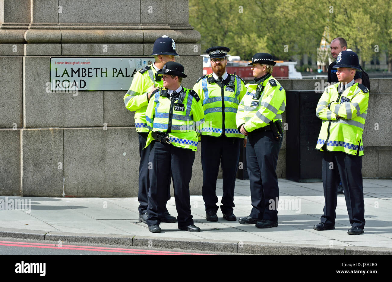 London, England, UK. Police officers on Lambeth Bridge - Stock Image