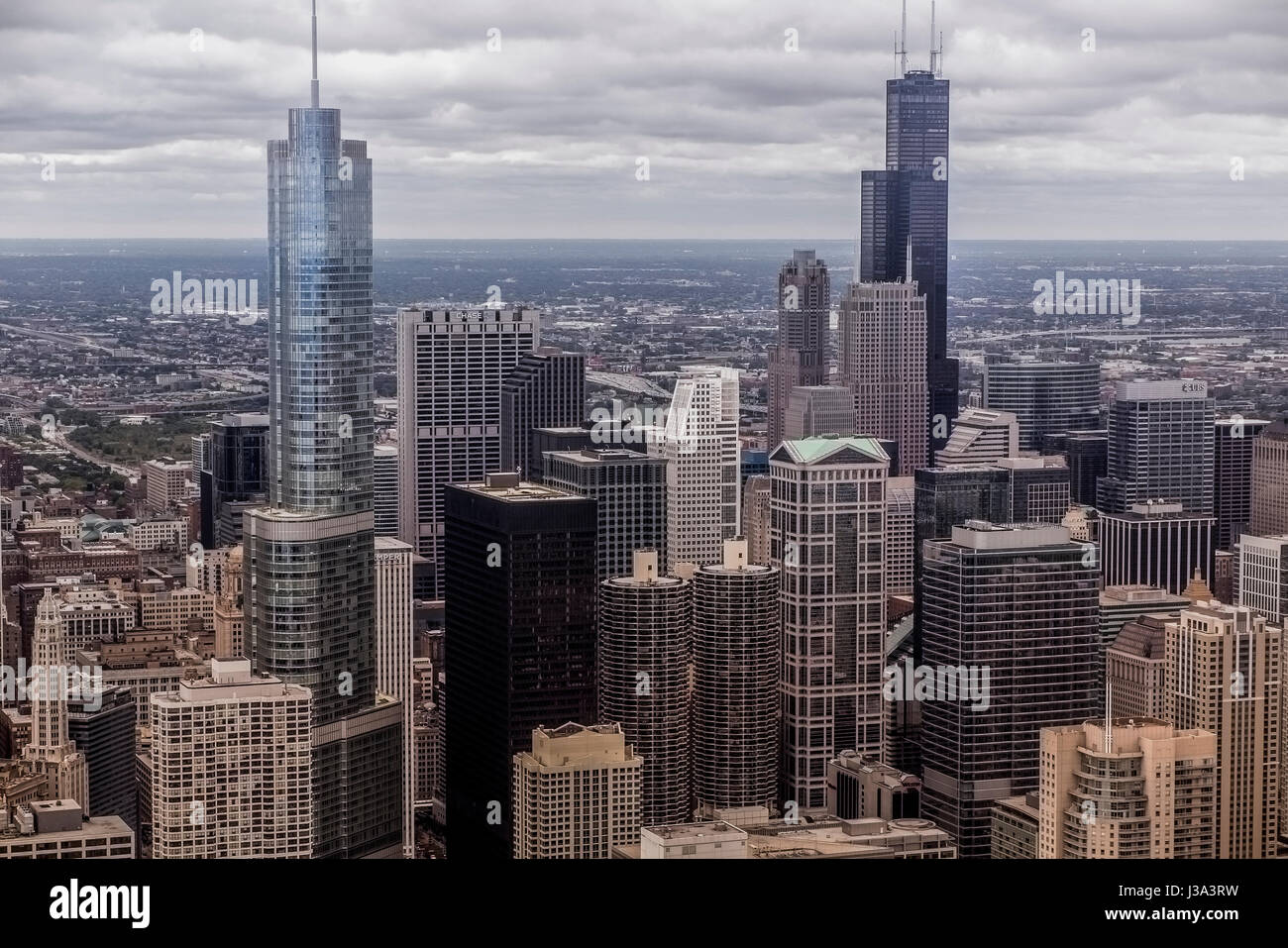 Aerial picture of downtown Chicago buidlings from Hancock Building USA - Stock Image