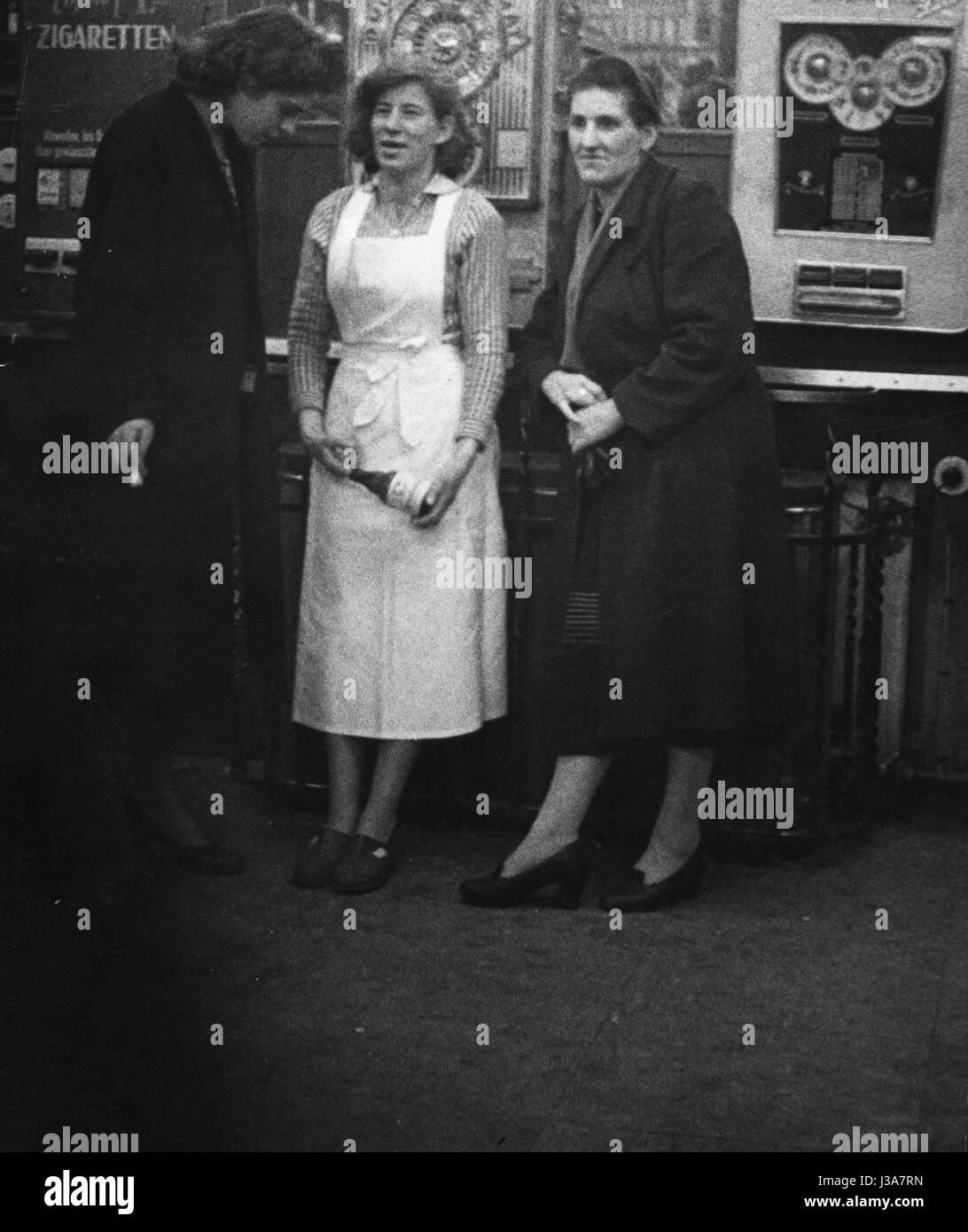 Women on the Reeperbahn in Hamburg, 1956 Stock Photo