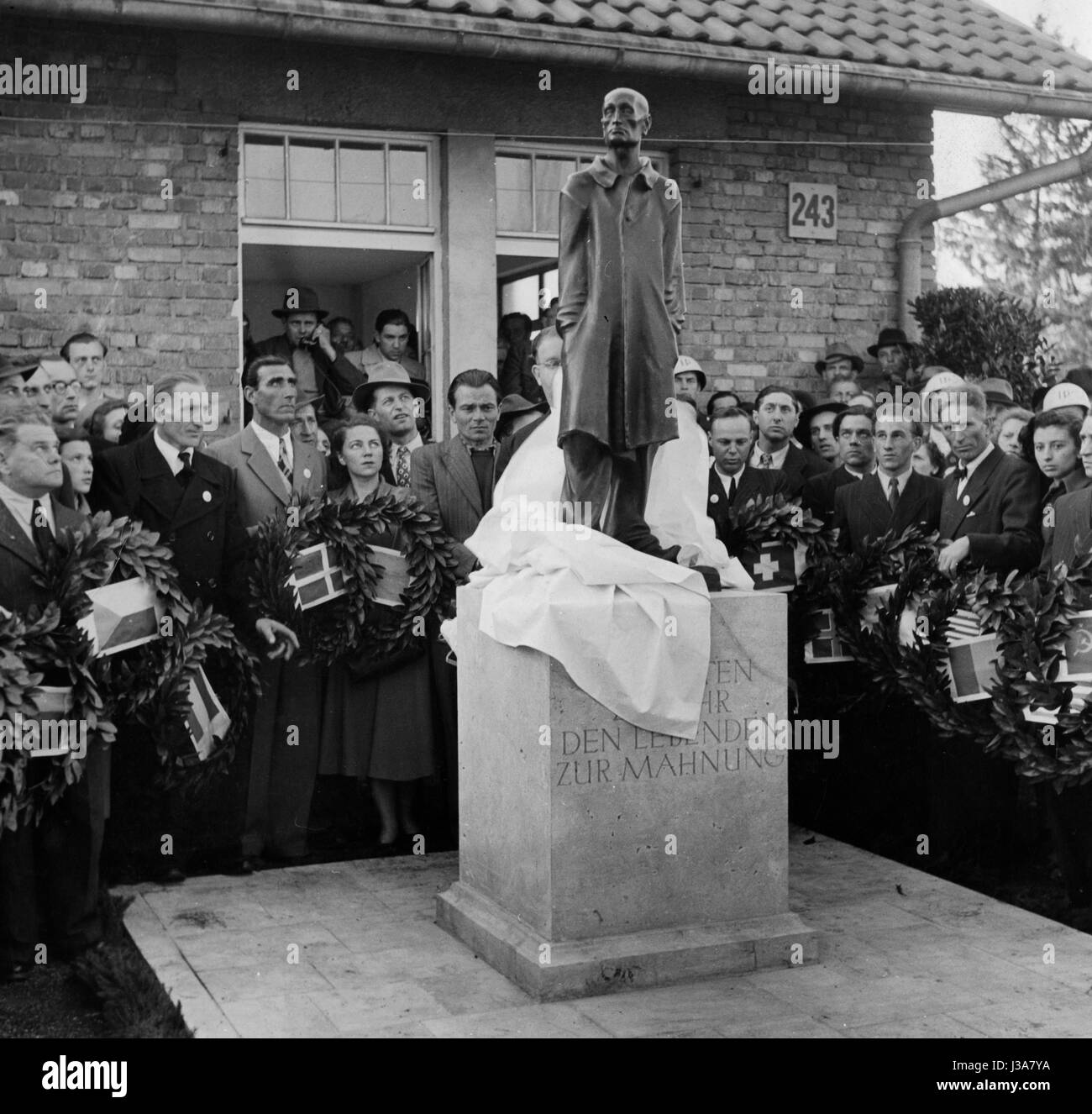 """""""Inauguration of the monument """"""""The Unknown Prisoner"""""""" in Dachau, 1950"""" Stock Photo"""