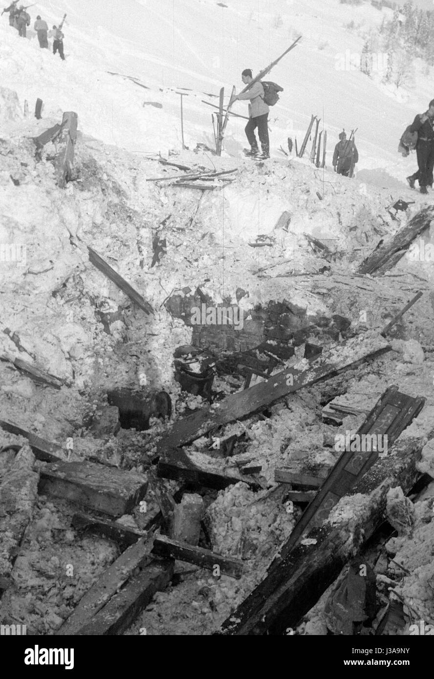 Remains of a destroyed house at Blons after the avalanches, 1954 - Stock Image