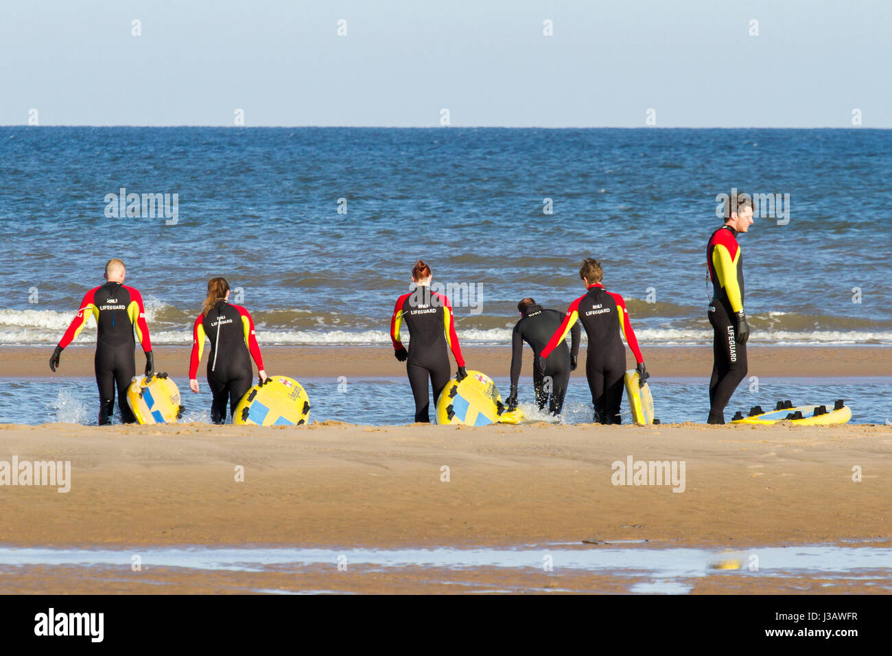5fe239b9e2 rnli lifeguard sea save rescue rescuer emergency drown drowning water tide  tides safety coast swim swimmer