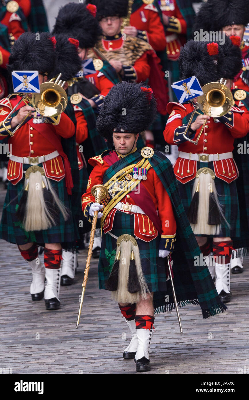 Edinburgh, UK. 04th May, 2017. Royal Proclamation at the Mercat Cross for the summoning of a new parliament following - Stock Image