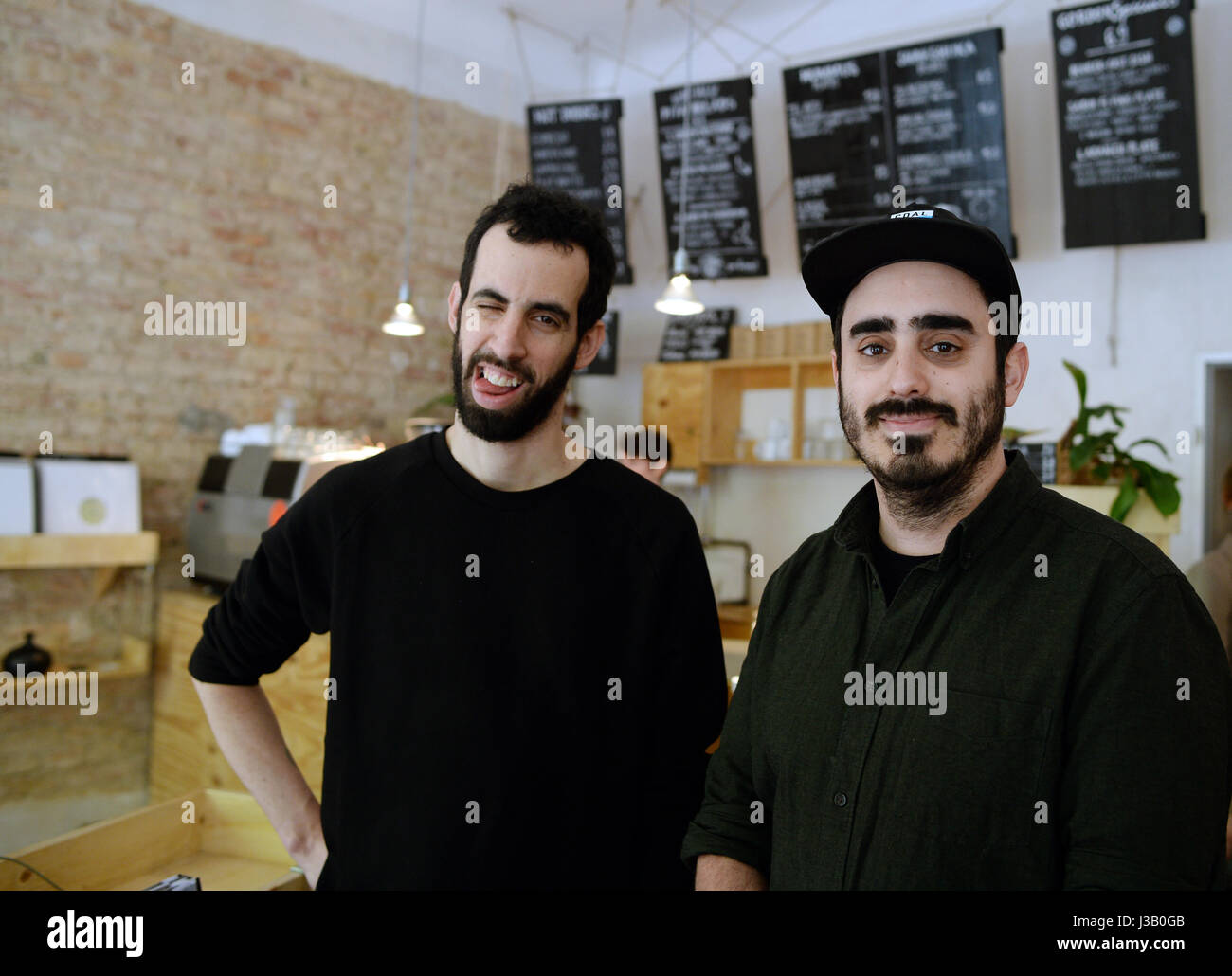 Neukoelln, Berlin, Germany. 3rd May, 2017. The owners and DJs Doron Eisenberg (L) and Nir Ivenizki stand in their - Stock Image