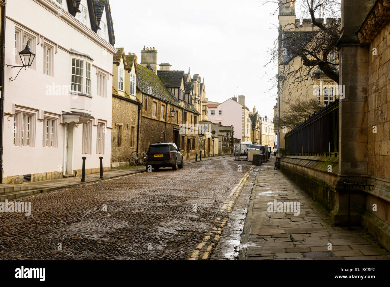 Old cobbled Street in Oxford - Stock Image