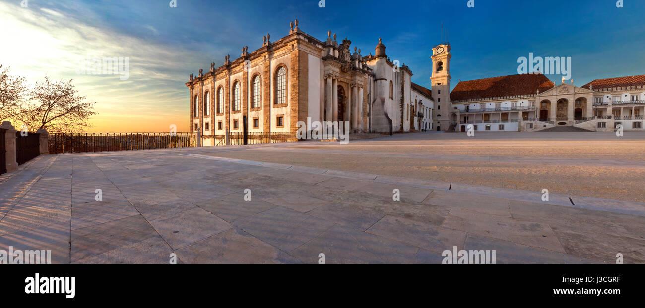 'Coimbra mon amour': Historical Coimbra University buildings panorama - Stock Image