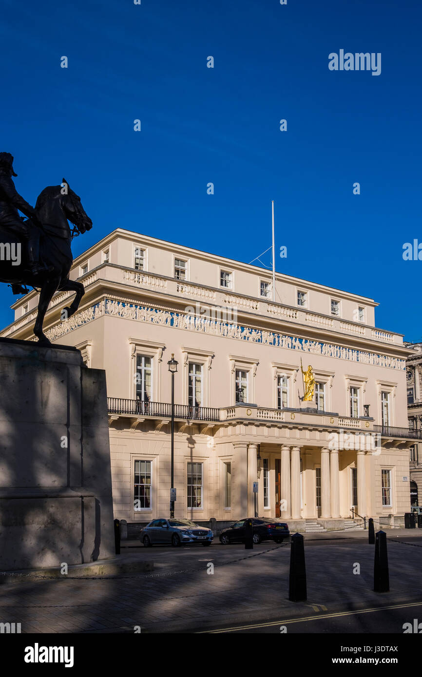 The Athenaeum on the corner of Pall Mall & Waterloo Place, St.James's is a private members' club, London, - Stock Image