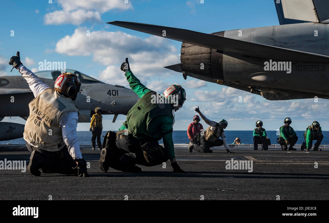 u s sailors signal for a usn e a 18g growler airborne electronic