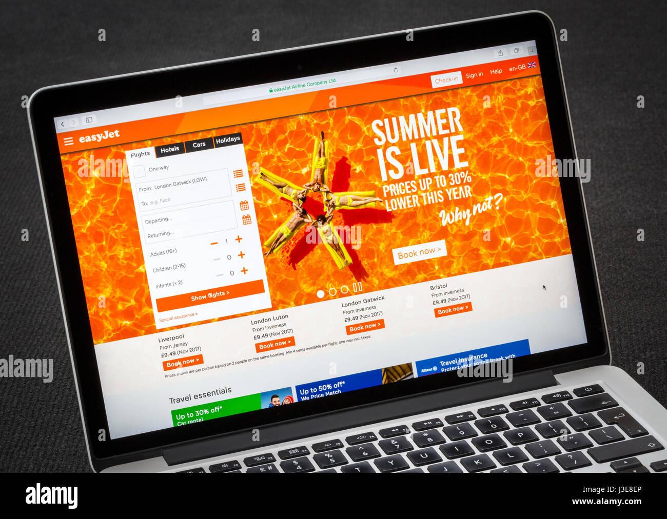 Easyjet website flight booking page - Stock Image