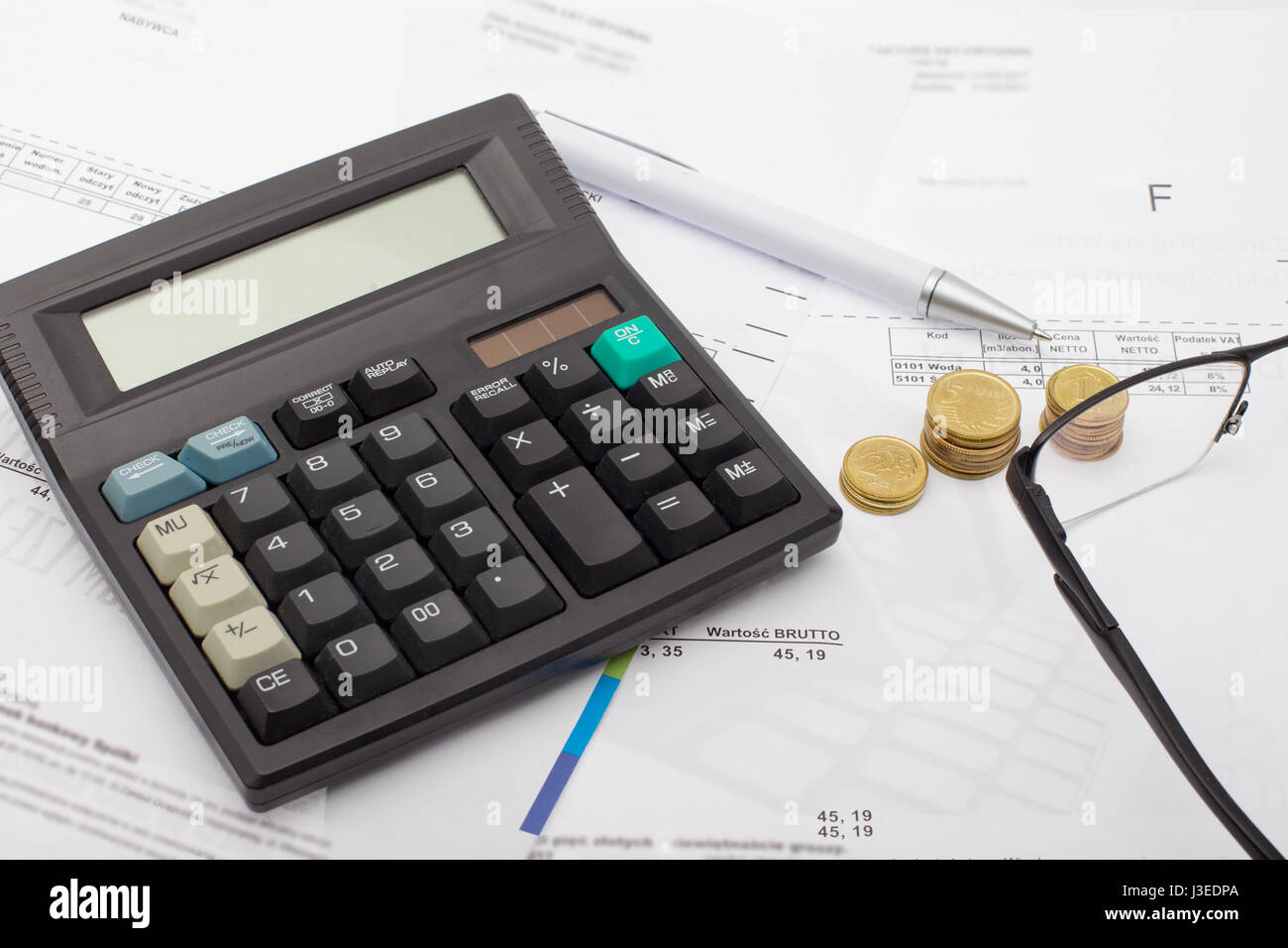 Financial accounting - business. Calculating household bills, household savings - Stock Image