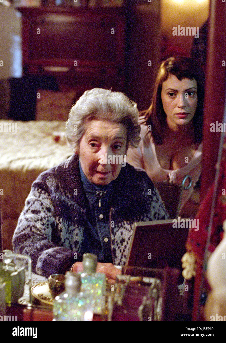 Watch Charmed - Season 5 Episode 15: The Day the Magic ...