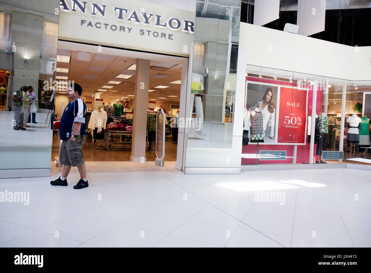 Miami Florida Dolphin Mall Ann Taylor Factory Store Outlet Store