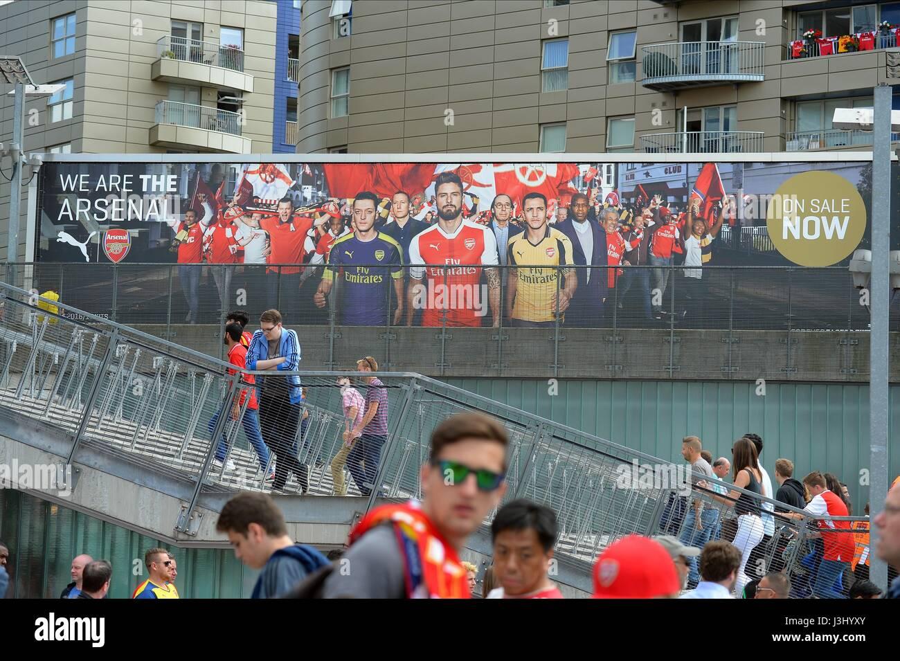 PICTURES OUTSIDE ARSENAL'S EMI ARSENAL V LIVERPOOL EMIRATES STADIUM LONDON ENGLAND 14 August 2016 - Stock Image