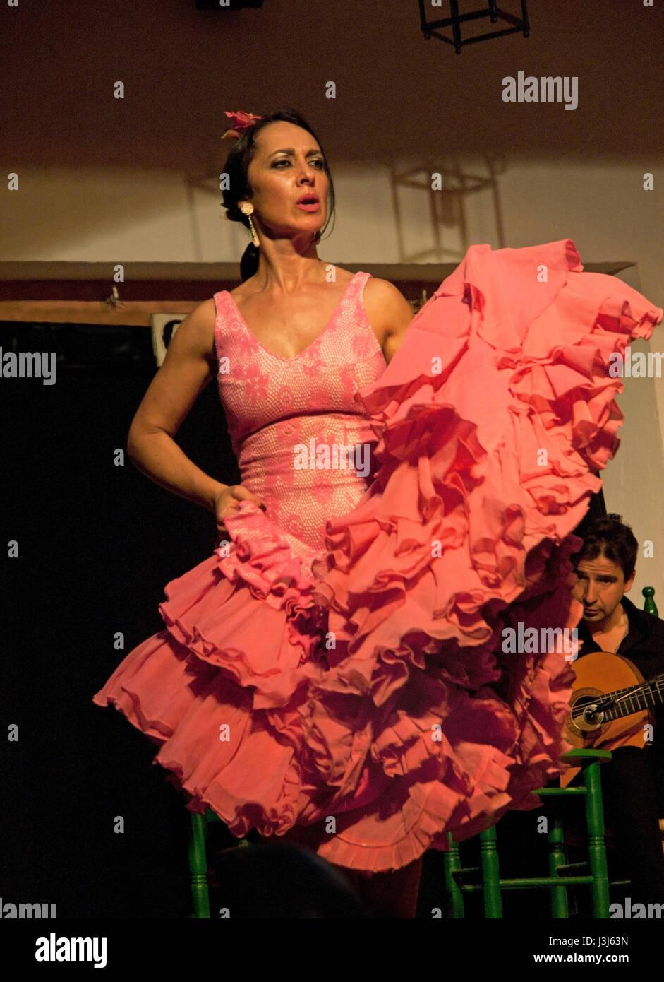 Dancing to flamenco music in Cordoba, Spain - Stock Image