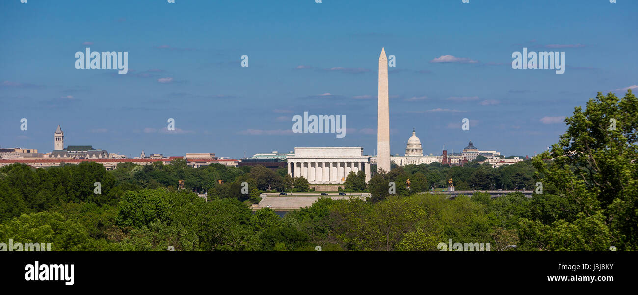 WASHINGTON, DC, USA - Skyline of Lincoln Memorial, Washington Monument, U.S. Capitol building and dome (L-R). - Stock Image