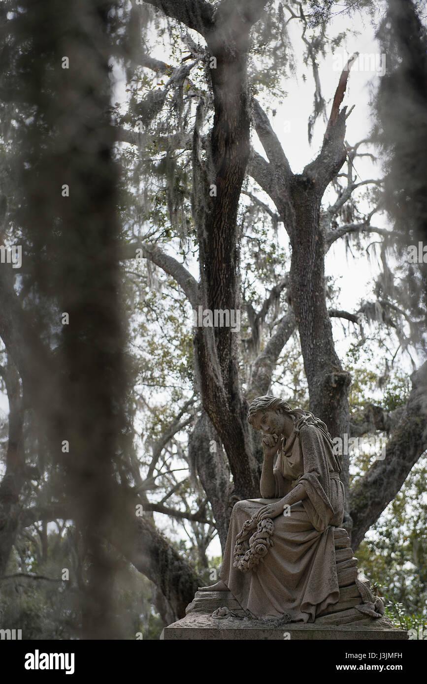Statuary at Bonaventure Cemetery in Savannah, Georgia. - Stock Image