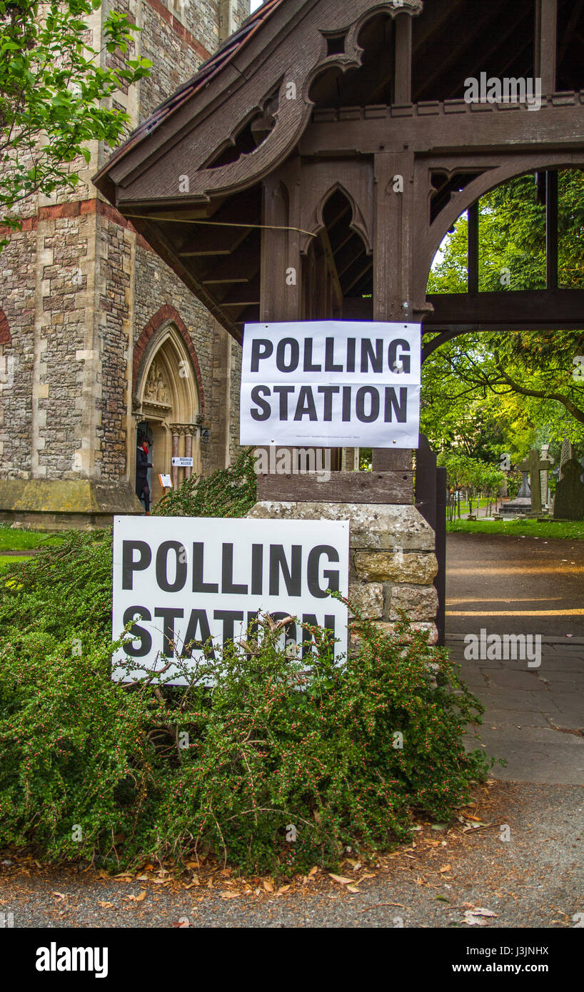 Polling poll station sign general election UK - Stock Image