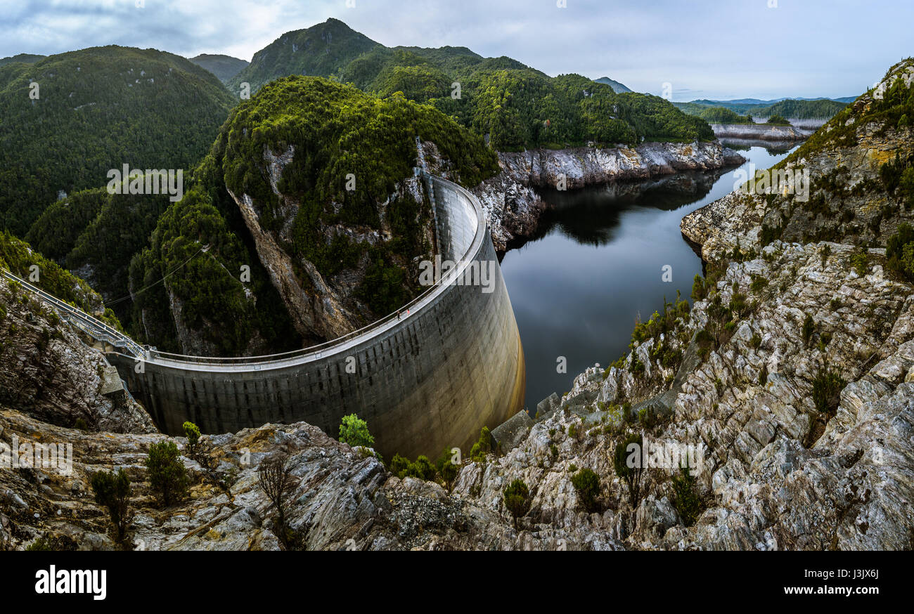 198m long and 140m high Gordon Dam in Southwest Tasmania - Stock Image