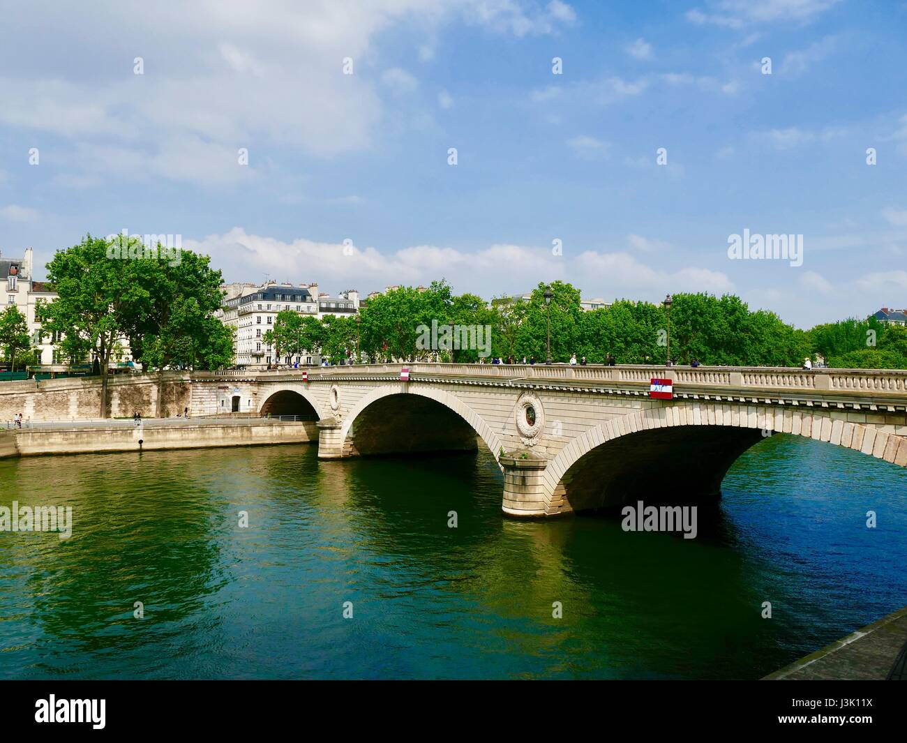 Green and blue reflection off the River Seine, Pont Marie (bridge), Paris, France. - Stock Image