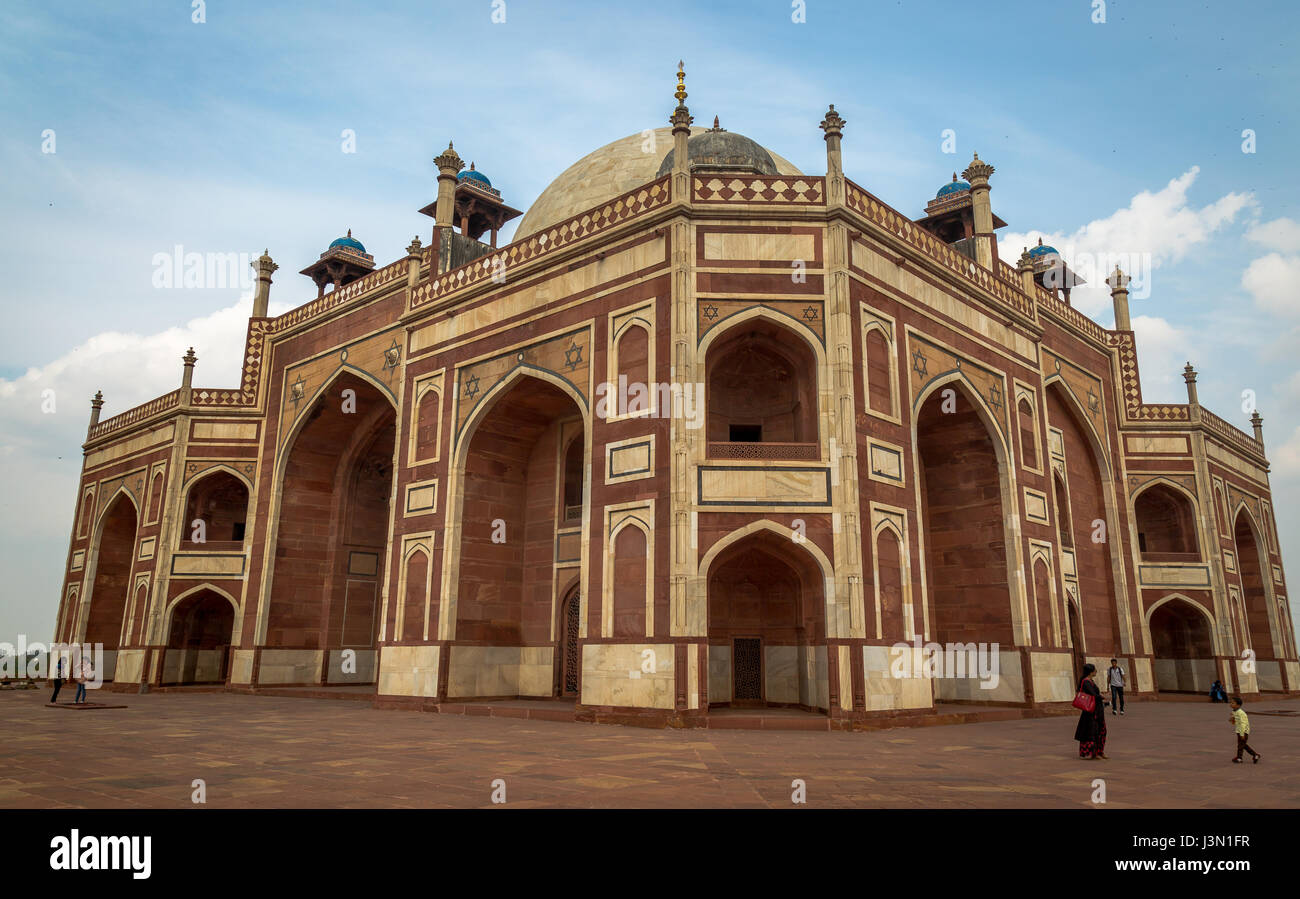 humayun tomb in delhi a mughal architecture masterpiece in india designated as the unesco world heritage site