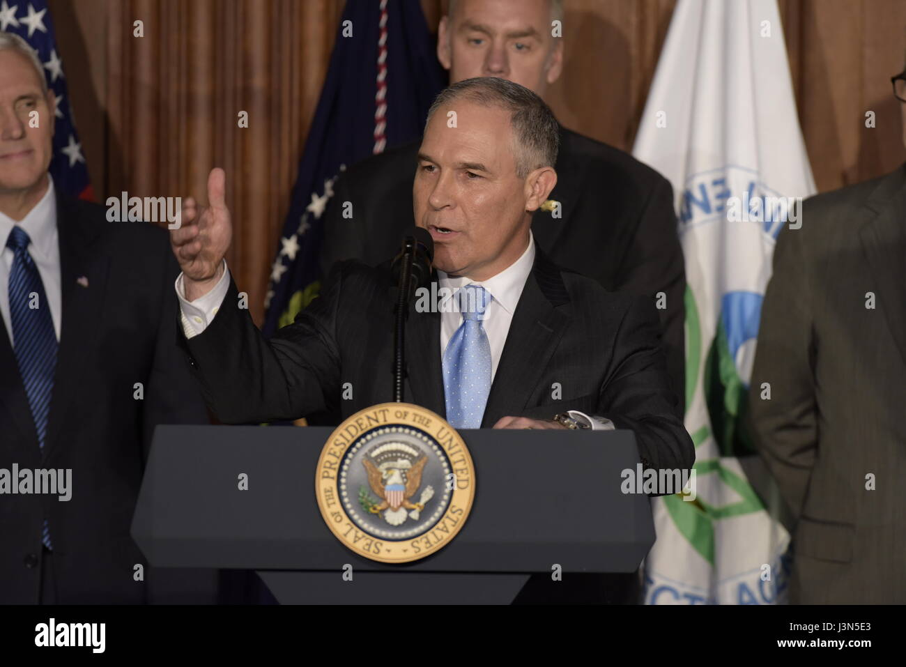 U.S. EPA Administrator Scott Pruitt delivers remarks at a signing ceremony for a series of anti-environmental executive - Stock Image