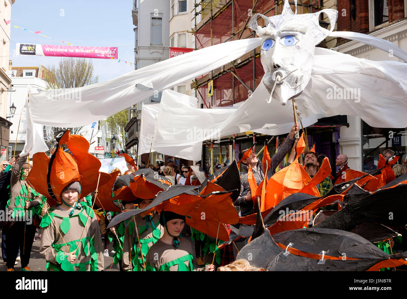 Brighton, UK. 6th May, 2017: Each year the first day of the Brighton Festival opens with the colourful Childrens' Parade through the streets of the city centre. Primary and Junior schools from throughout the city take part in a parade of music and costume, this year the theme was 'Poetry in Motion' reflecting Kate Tempest being the 2017 festival curator. Credit:  Scott Hortop/Alamy Live News Stock Photo