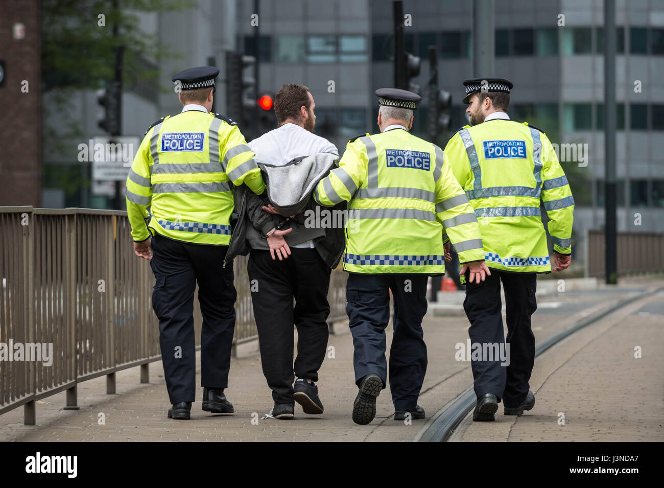 London, UK. 6th May, 2017. Far-right movement South East Alliance anti-immigration protest outside Lunar House the Stock Photo
