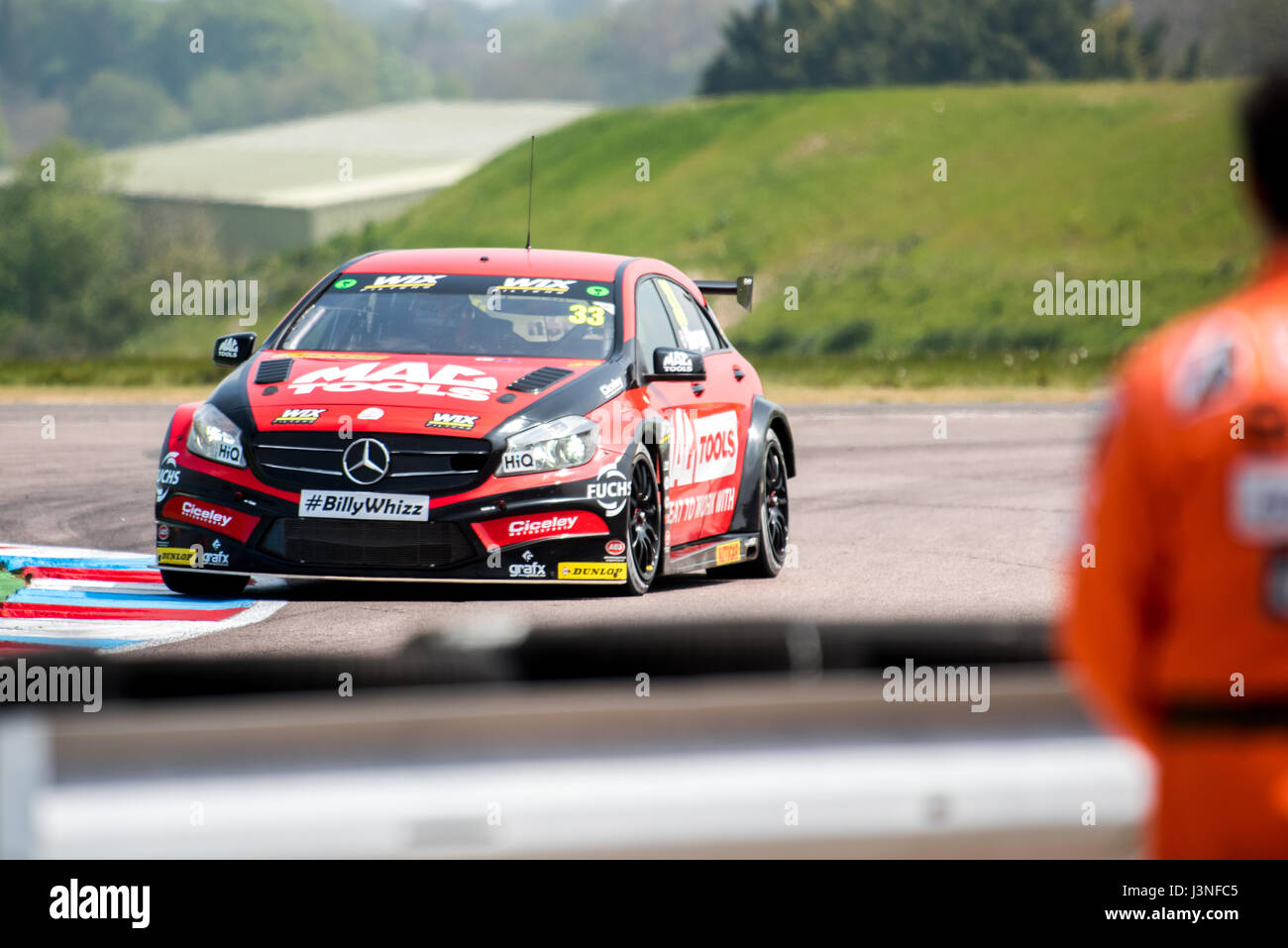 Hampshire, UK. 6th May, 2017. Thruxton Race Circuit and Motorsport Centre, Andover, Hampshire, United Kingdom. 6 - Stock Image
