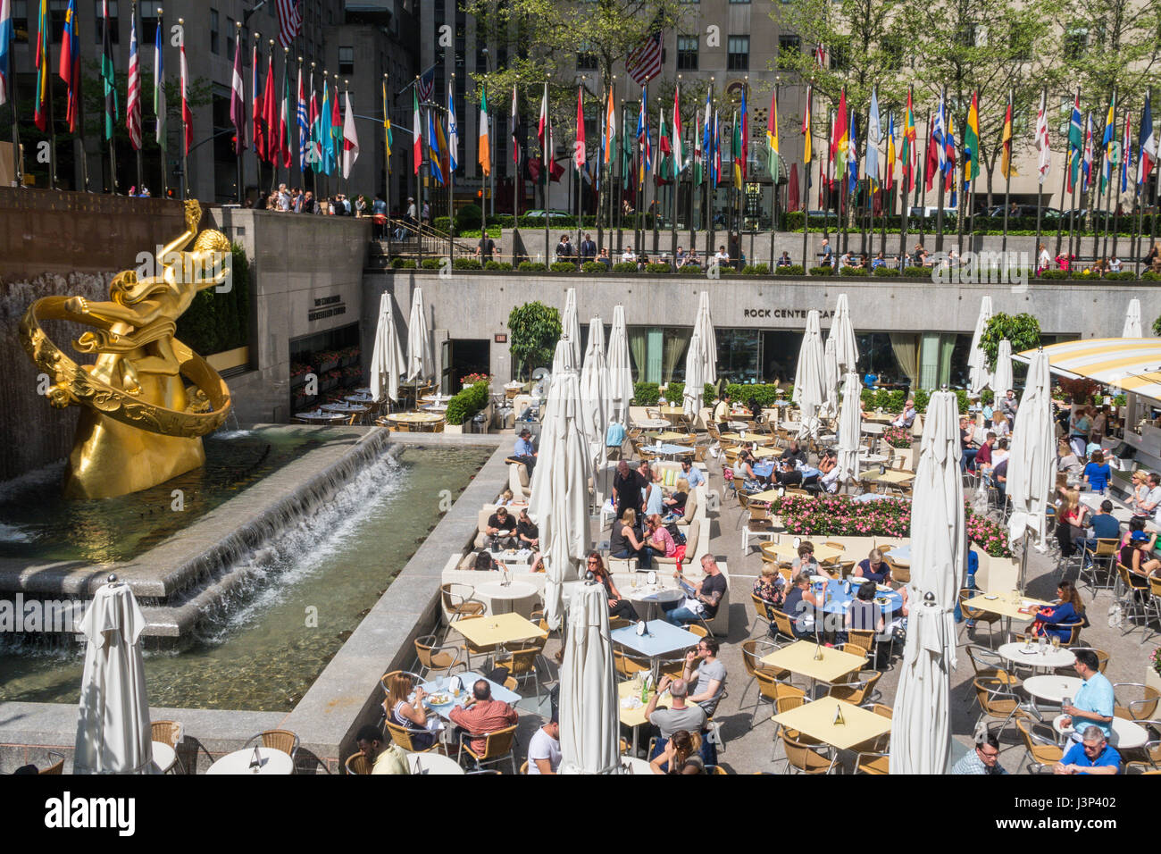 Rock Center Cafe Summer Garden And Bar, Rockefeller Center, NYC, USA