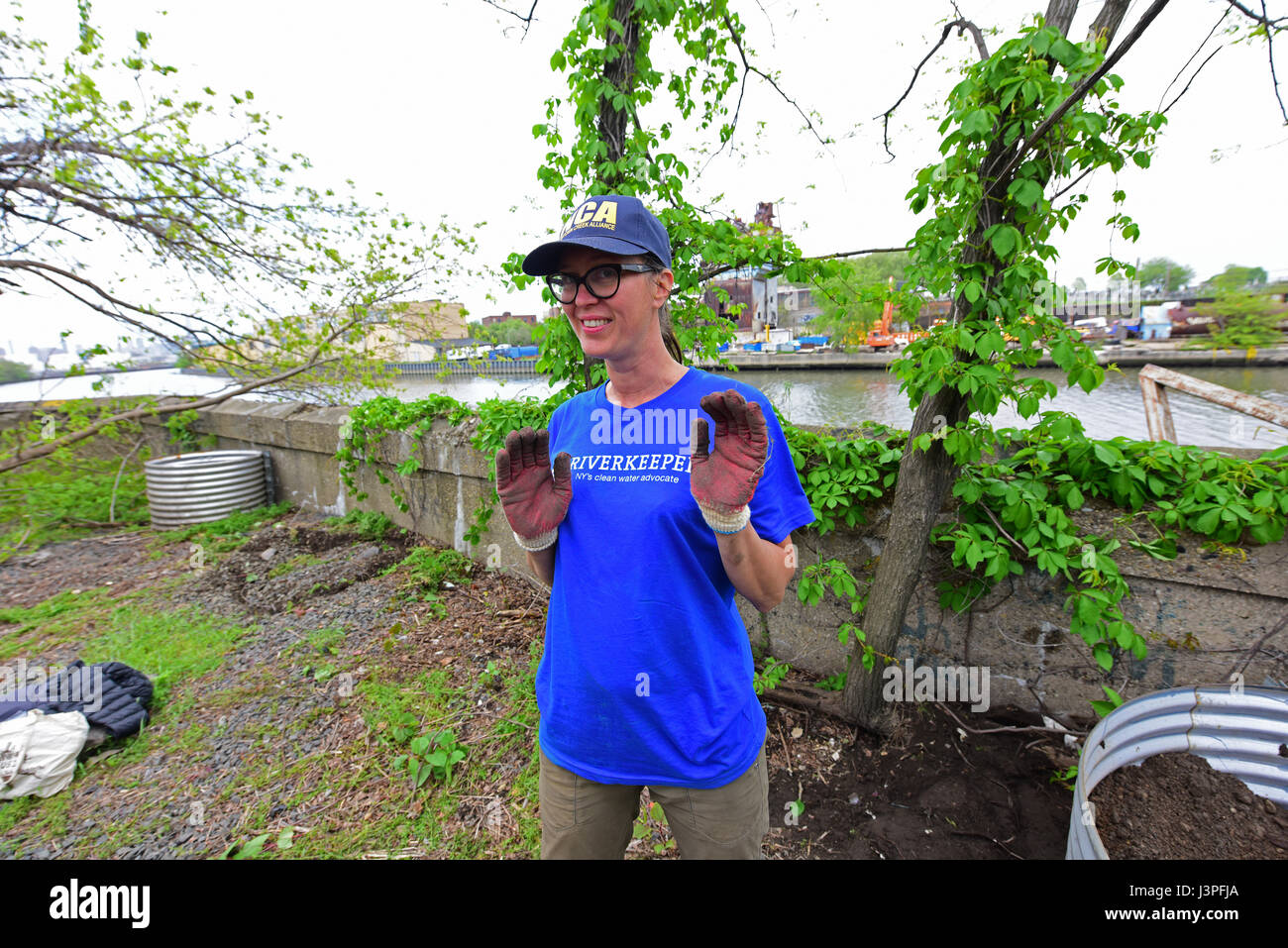 Alliance for Newtown Creek volunteers at work  River Keeper, a Stock