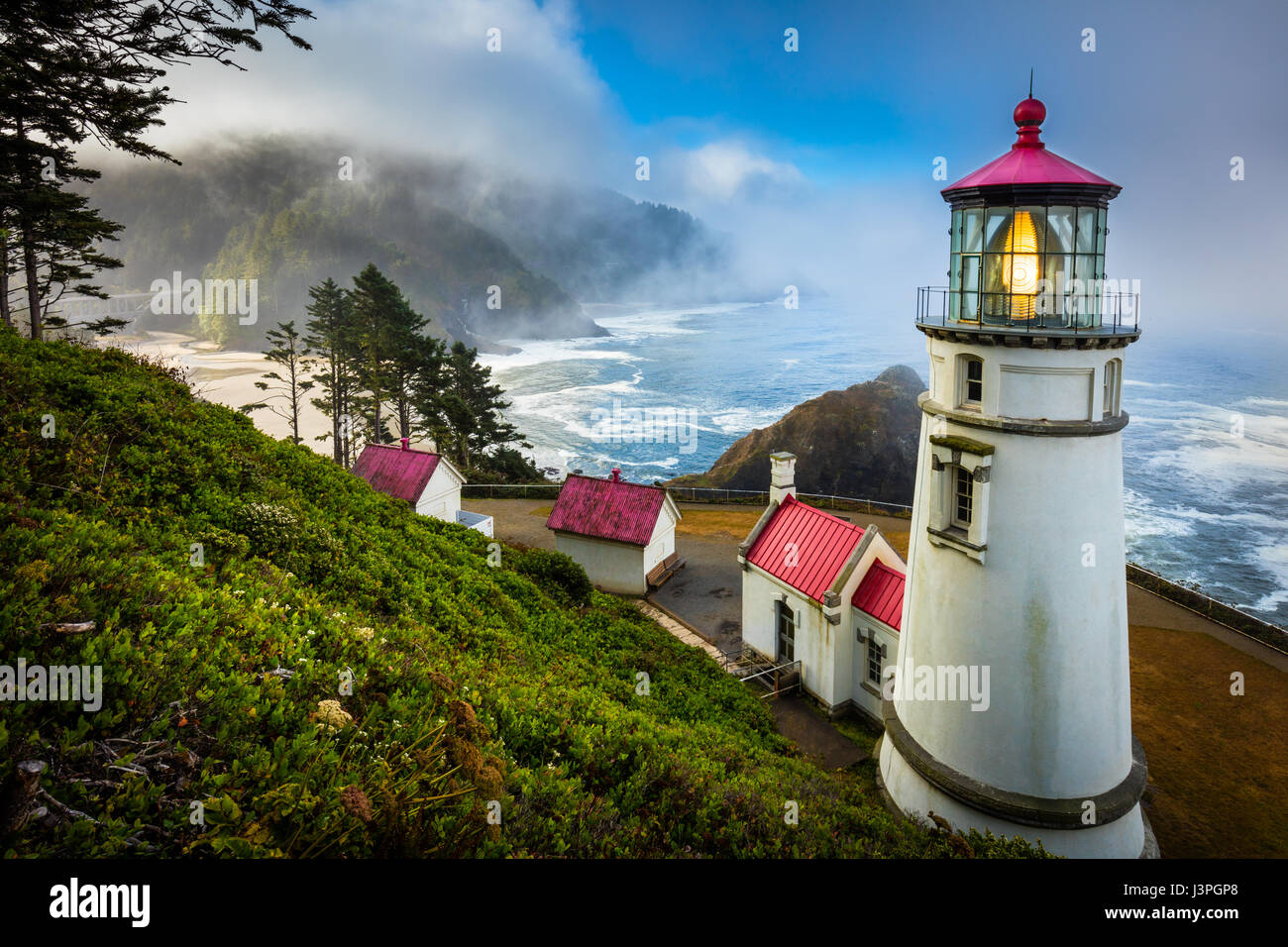 Heceta Head State Park (which includes Devils Elbow State Park) is located in a cove at the mouth of Cape Creek. - Stock Image