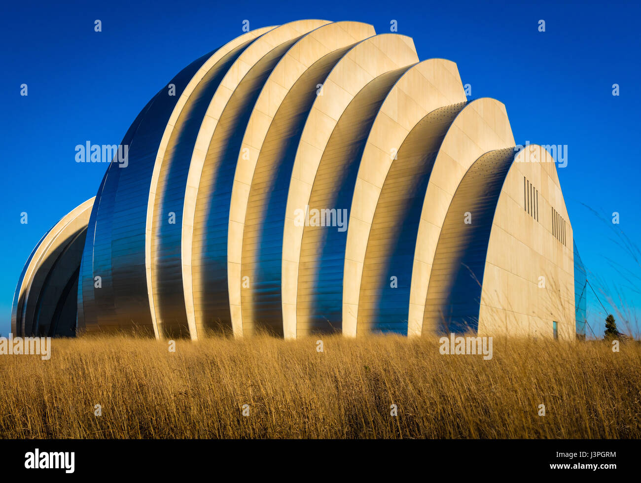 The Kauffman Center for the Performing Arts is a performing arts center in downtown Kansas City, Missouri, USA, - Stock Image