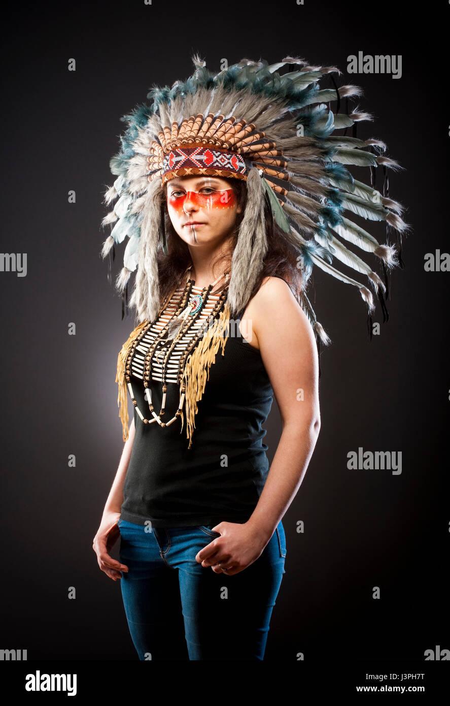 Native American Indian Chief War Bonner Headdress - Stock Image