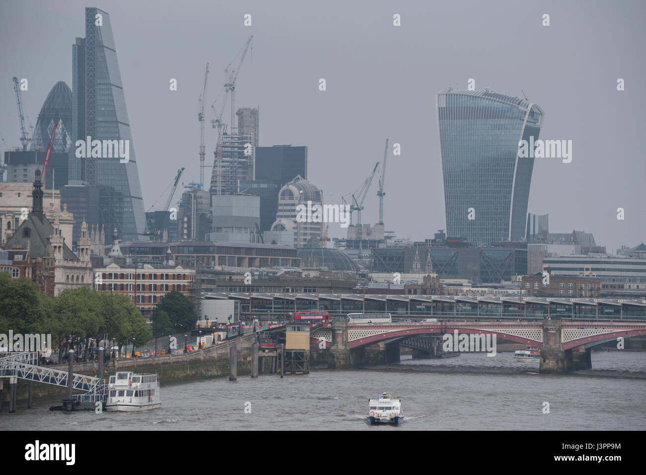A hazey afternoon in London - Stock Image