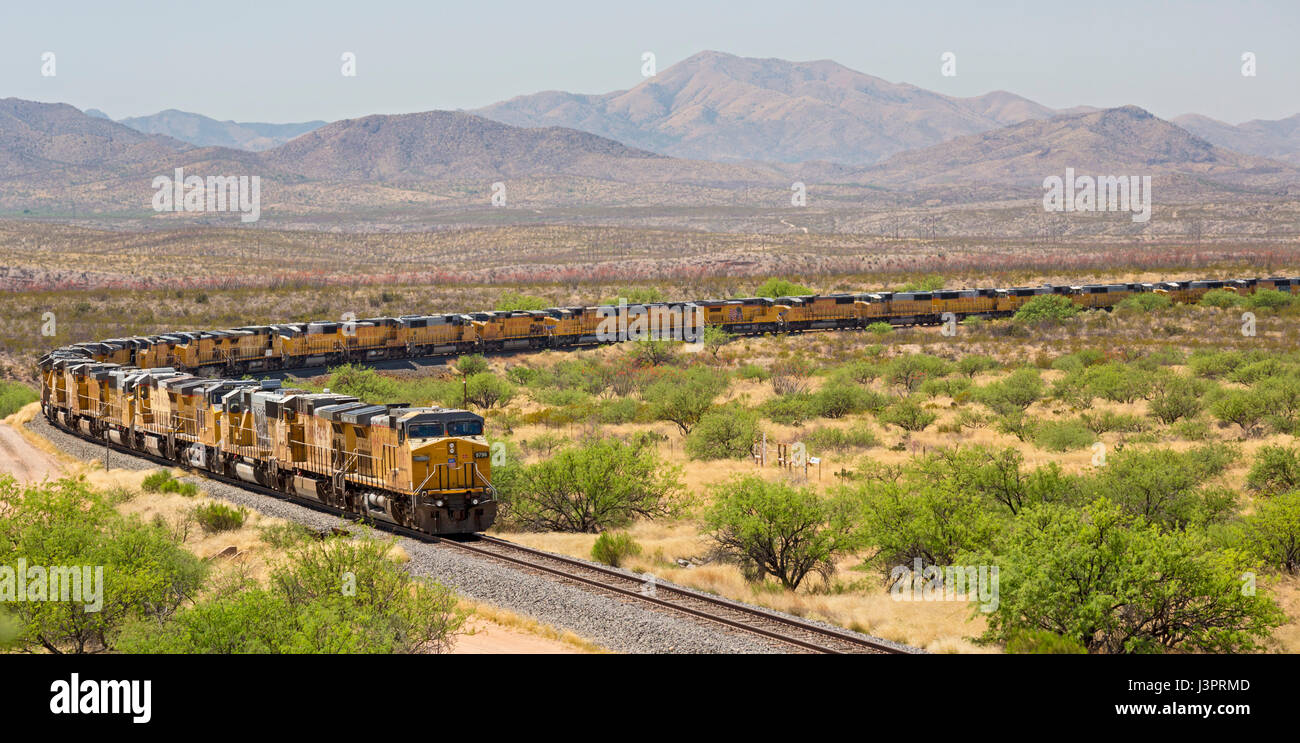 Benson, Arizona - Hundreds of unused Union Pacific locomotives are parked on a railroad siding in the Sonoran Desert. - Stock Image