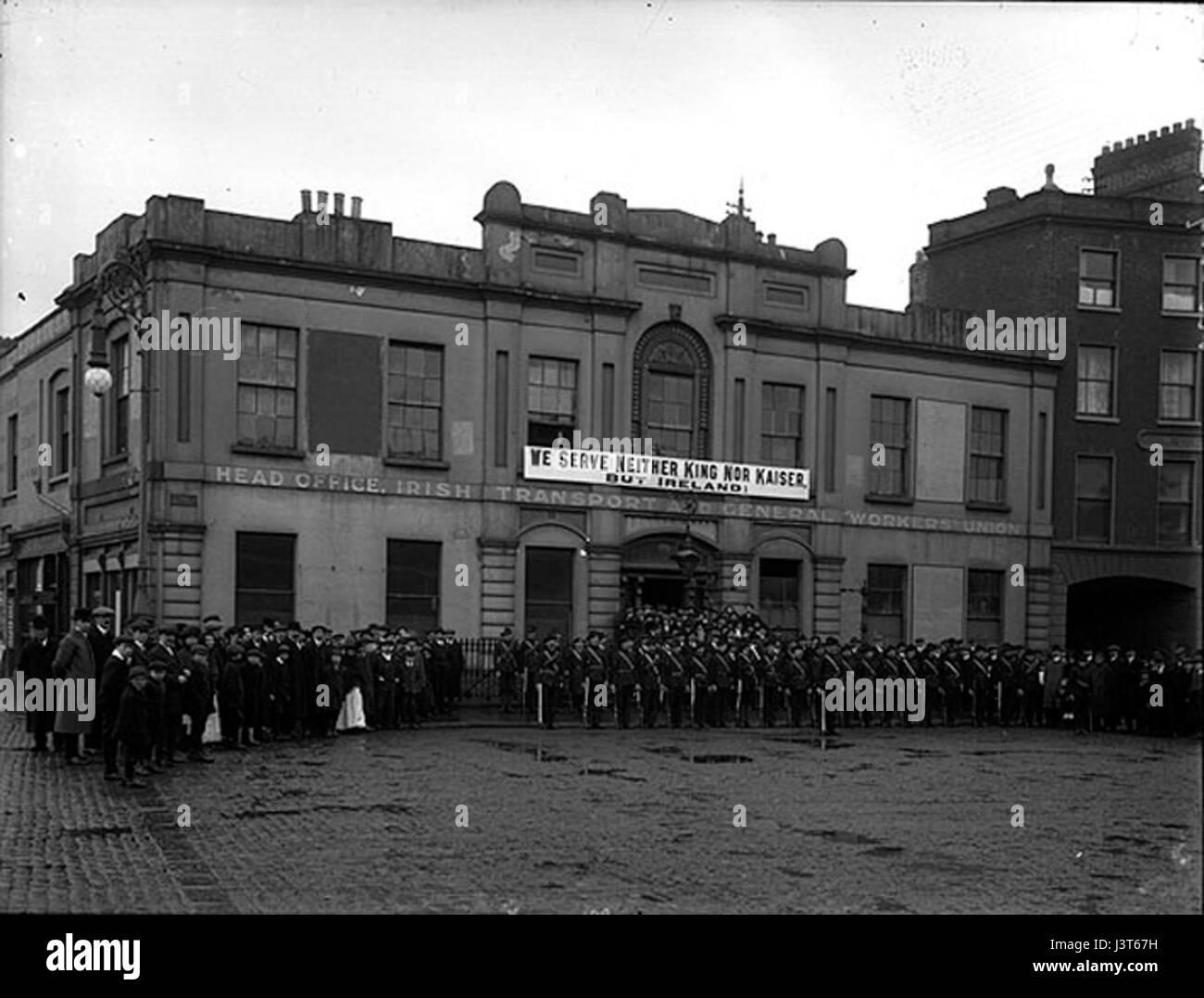 Irish Citizen Army Group Liberty Hall Dublin 1914 Stock Photo