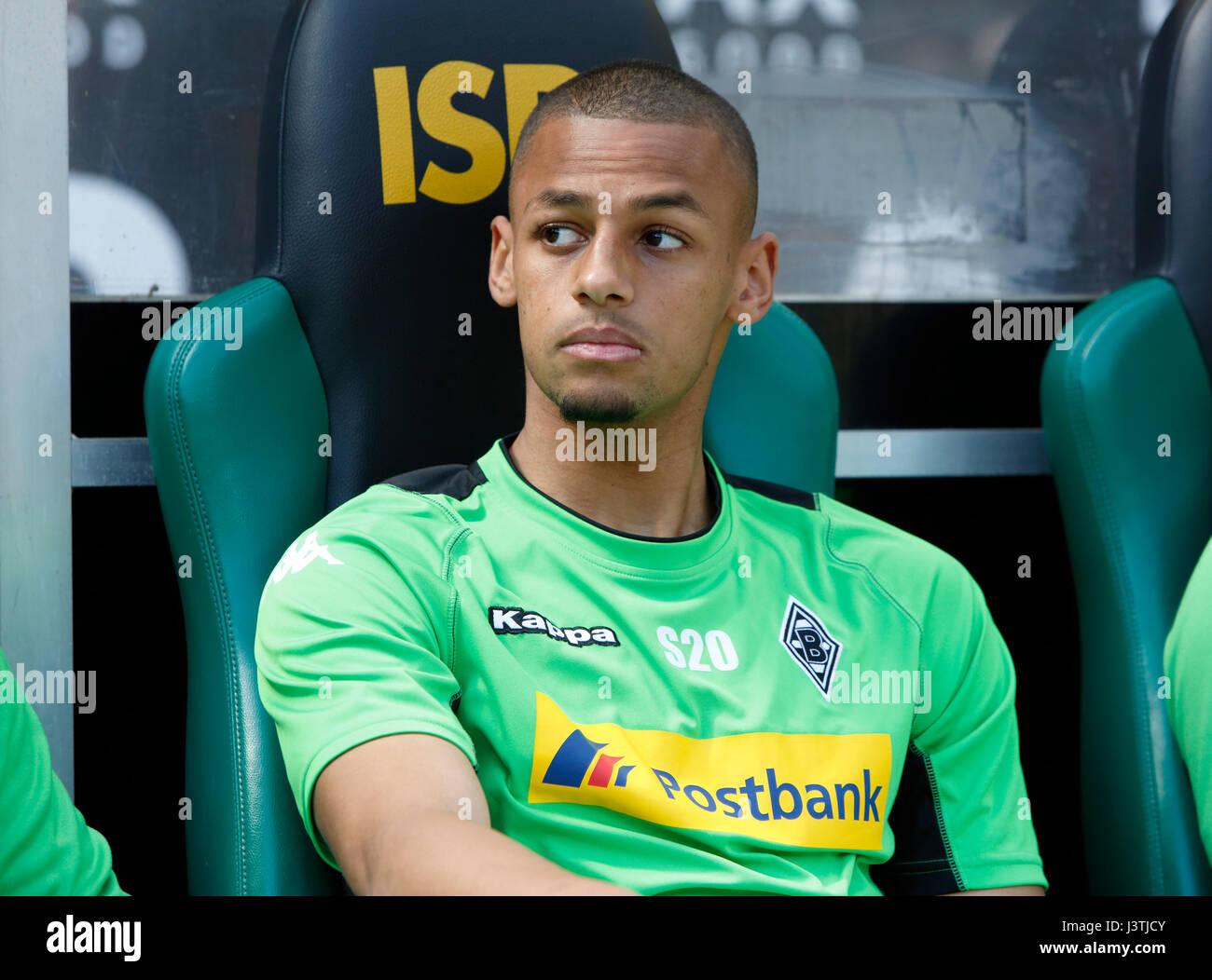 sports, football, Bundesliga, 2016/2017, Borussia Moenchengladbach vs FC Augsburg 1:1, Stadium Borussia Park, substitutes - Stock Image