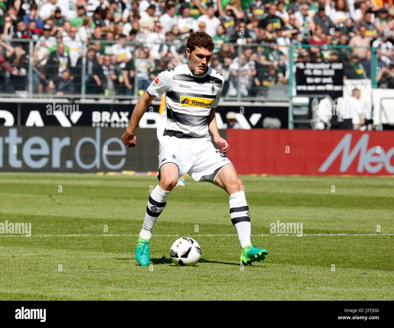 sports, football, Bundesliga, 2016/2017, Borussia Moenchengladbach vs FC Augsburg 1:1, Stadium Borussia Park, scene - Stock Image