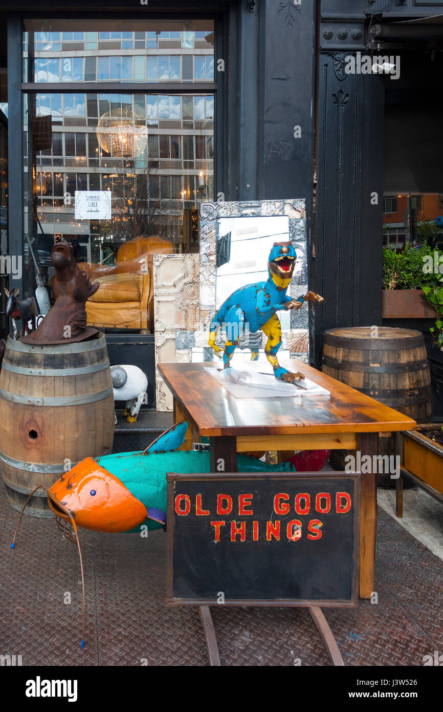 Olde Good Things, an architectural and altered antiques retail store in Lower Manhattan - Stock Image