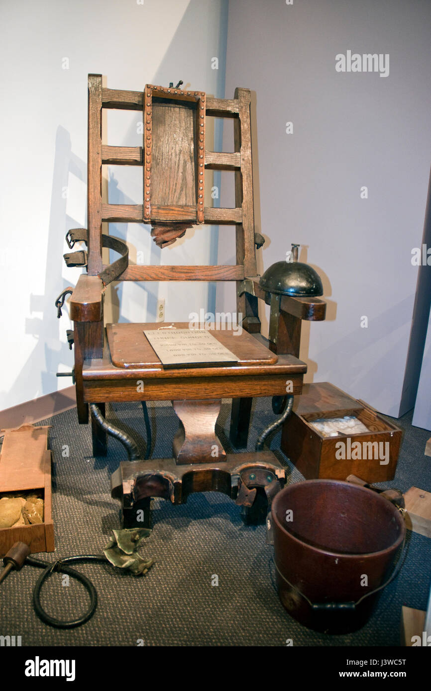 "Electric chair from New Jersey prison, called 'Old Smokey"" and used to  execute - Electric Chair Execution Stock Photos & Electric Chair Execution"