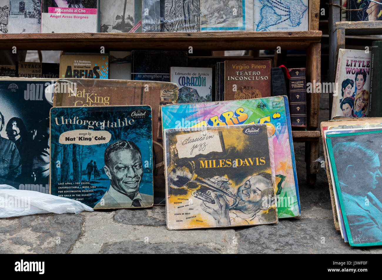Open air market place for secondhand books, posters and vinyl records in Plaza de Armas, Havana´s oldest square. - Stock Image