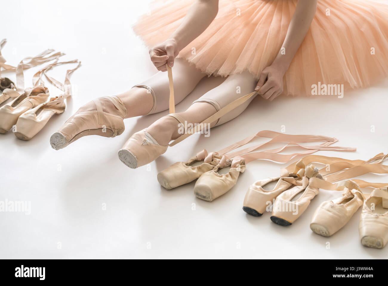 Ballet dancer in studio - Stock Image