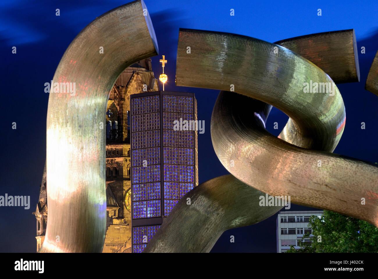 kudamm and kaiser-wilhelm-gedächtnis-kirche in berlin, kurfurstendamm, modernity, night, photo by kazimierz - Stock Image