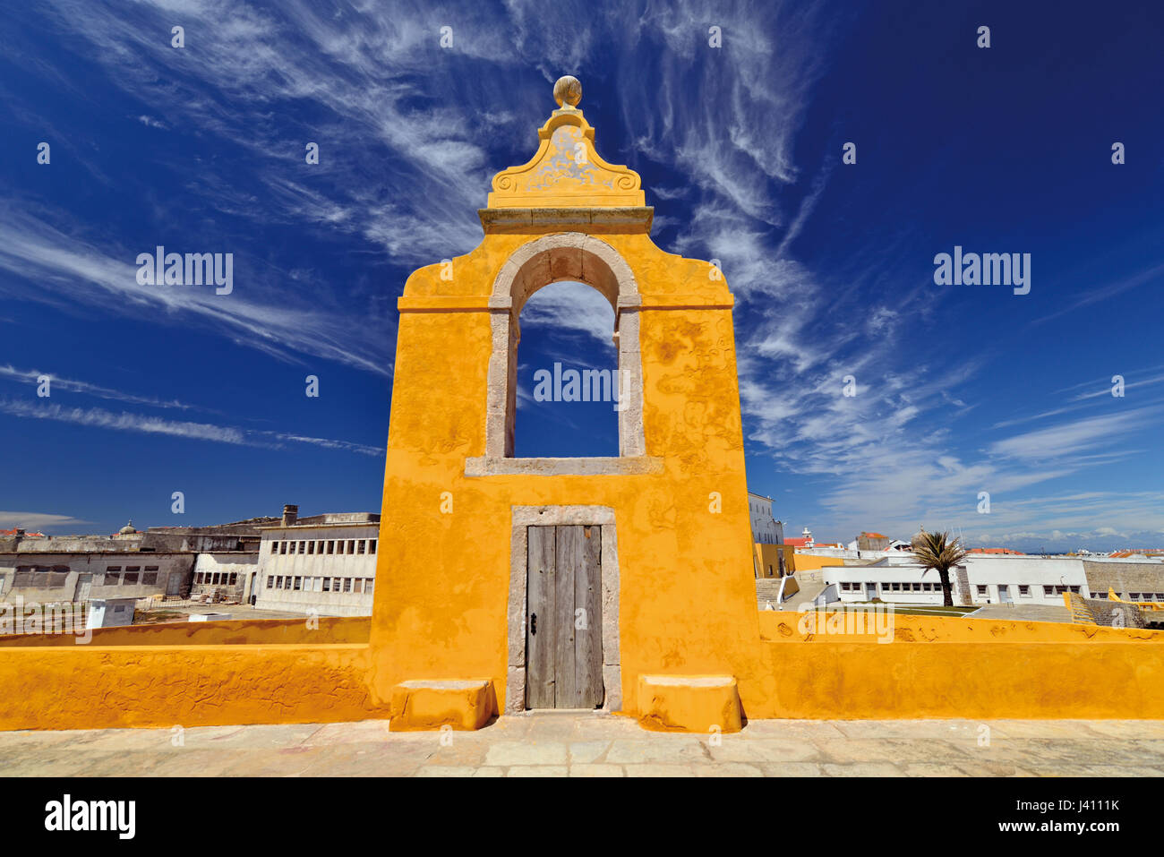 Portugal: Detail of historicFortaleza de Peniche  with former prision buildings in the background - Stock Image