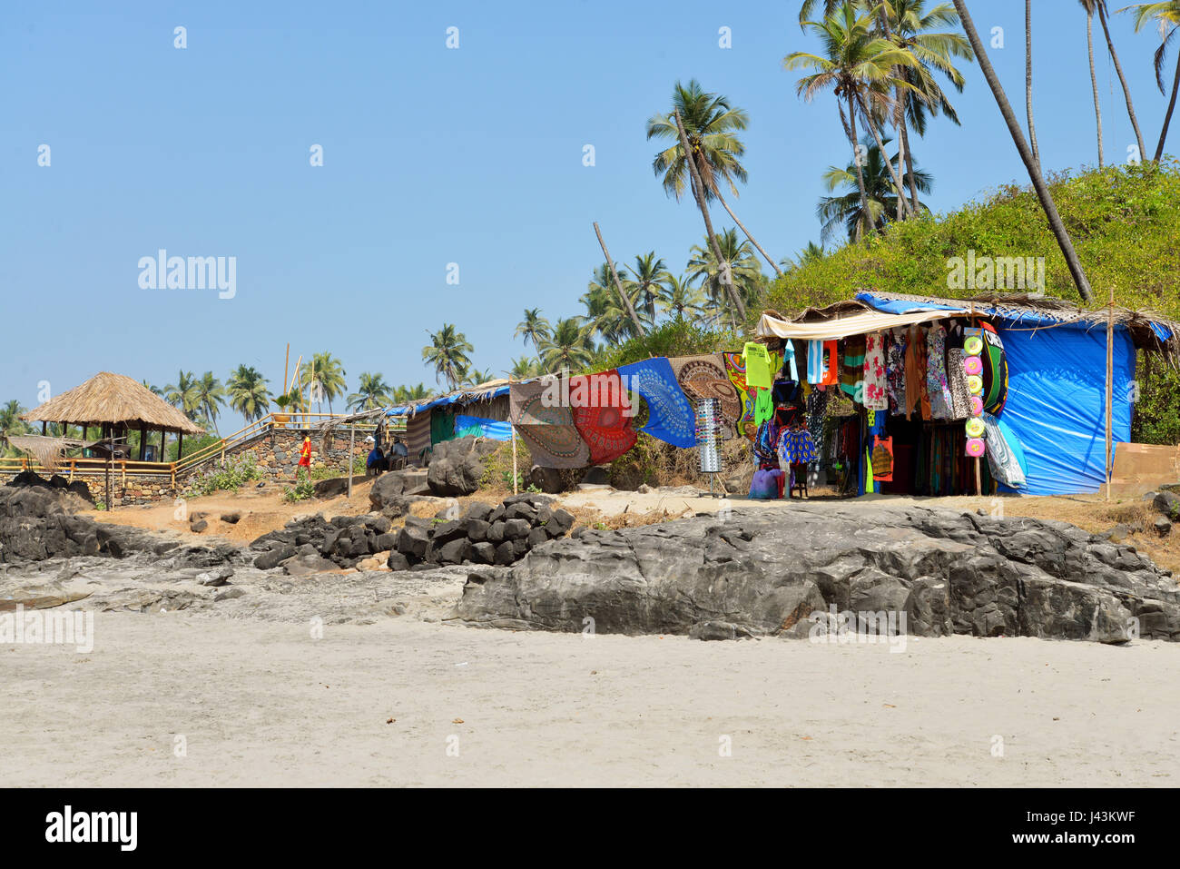 72cb43ce4464 GOA , INDIA - JANUARY 22, 2017 :Open market on beach with traditional indian